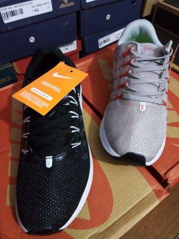 Tênis Nike Zoom- (36 e um 38). - Foto 3