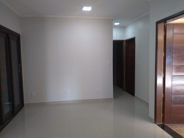 Excelente casa com 03 quartos, 02 vagas de garagem em Santa Rosa-RS - Foto 6