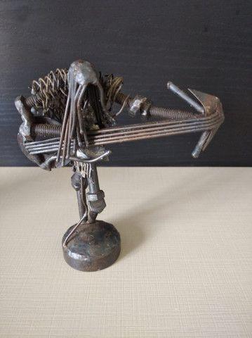 Escultura de metal  - Foto 2