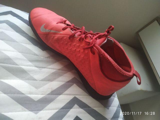 Chuteira da Nike N 35 bem conservada! - Foto 3