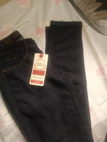 Calça jeans escura nova - Foto 3
