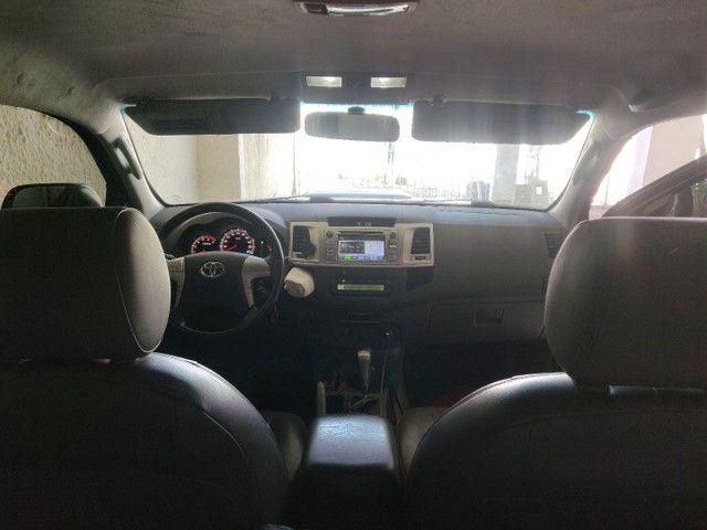 Vendo Hilux srv 4x4 preto auto 2013 - Foto 6