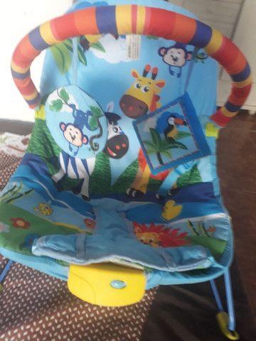 Bebê conforto, cadeira musical q vibra e toca e carrinho de bebê   - Foto 3