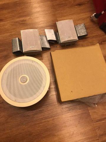 Equipamento de som para embutir no teto (arandelas)