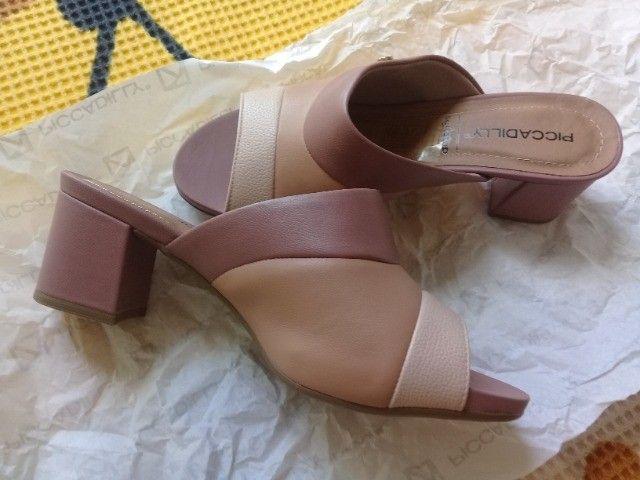 Sapato em courino tamanho 34 - Foto 2