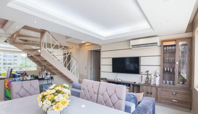 Cobertura de 203 m2 , com 3 quartos e 2 vagas em Petrópolis - Foto 4