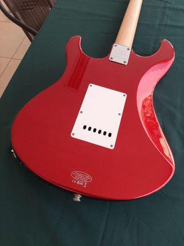 Guitarra Stratocaster Yamaha Pacífica 012  - Foto 6