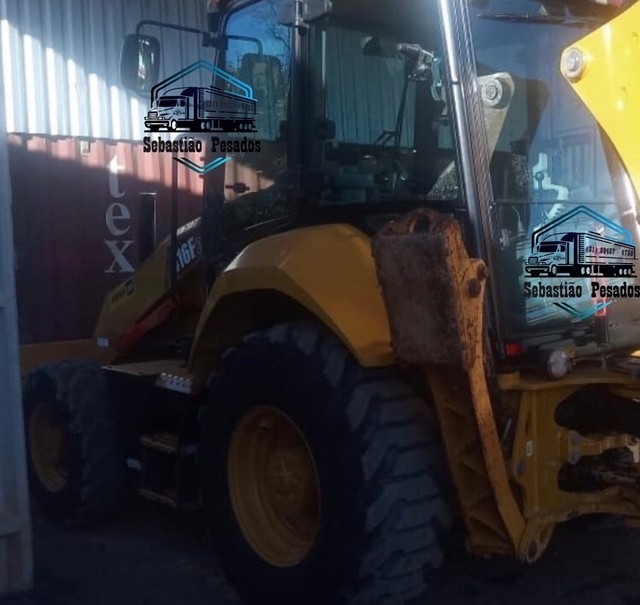 Retrô Escavadeira Caterpillar 416F2 2018  - Foto 3