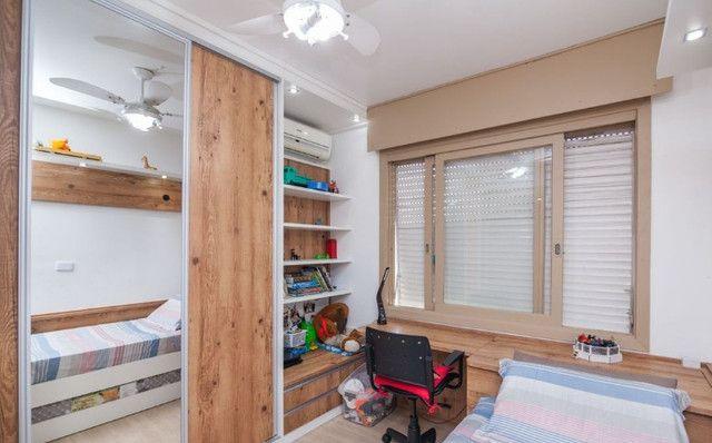 Cobertura de 203 m2 , com 3 quartos e 2 vagas em Petrópolis - Foto 14
