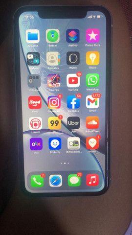 iPhone xr 64 gb troco no iPhone 8 Plus com uma volta pequena da pessoa - Foto 3