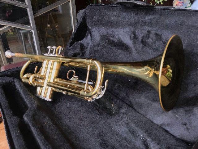 Trompete Shelter usado - Si Bemol Laqueado Dourado + Estojo - Foto 2