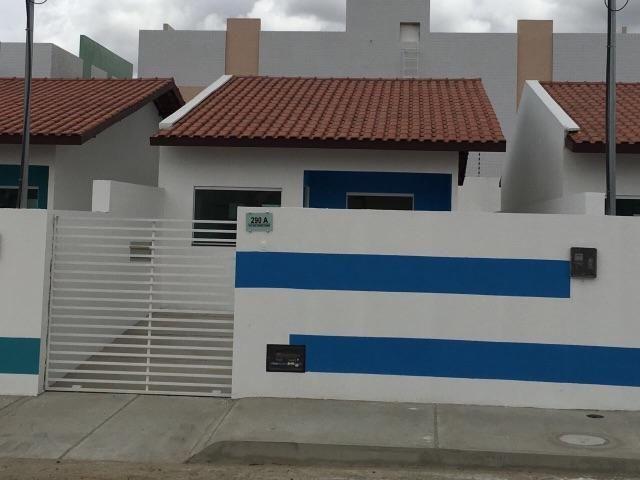 Casa pronta para morar, com beco, por 122 mil