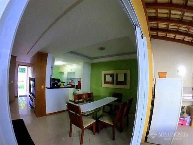 Casa duplex com 4 dormitórios, sol da manhã, lazer com churrasqueira e quintal, 3 vagas de - Foto 16