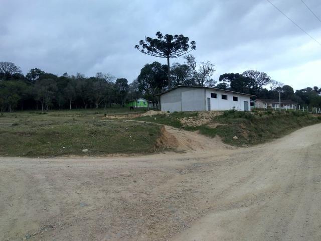 Vendo terreno e mais um barracão