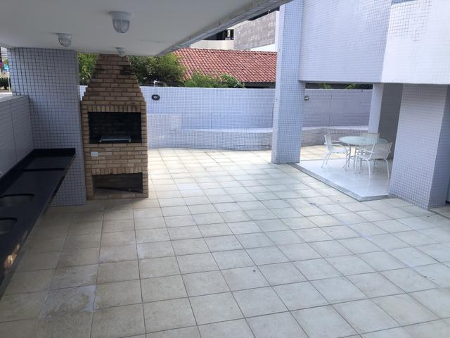 Apartamento com 4 suítes +gabinete + lavabo a 50 metros da praia - Foto 5