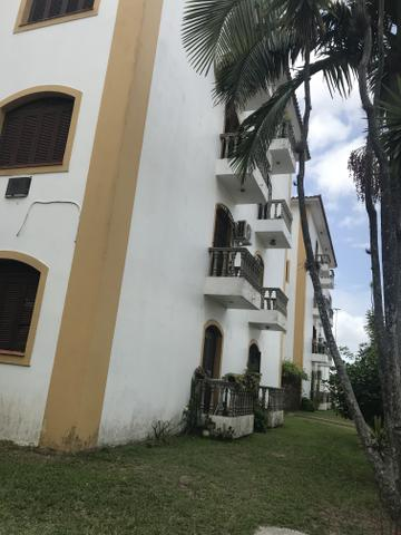 Apto central em condomínio fechado - Foto 2
