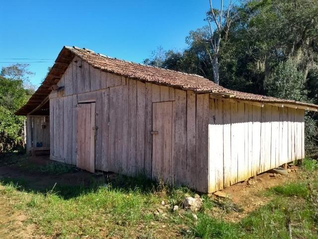Chácara com 174.240m², casa, barracão, divisa com a Barragem do Rio Verde - Foto 7
