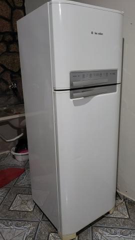 Refrigerador geladeira Electrolux Frost Free 430L - Foto 3