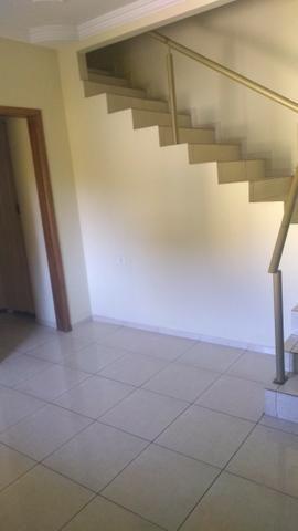 Casa esquina + sobrado em rua comercial super abaixo do preço para vender logo - Foto 3