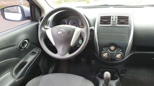 Nissan Versa 1.0 Flex 2016 Manual Completo  - Foto 14