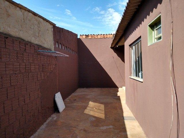 Aluga-se CASA aconchegante com 3 Quartos no Bairro Jardim Carioca - Foto 5