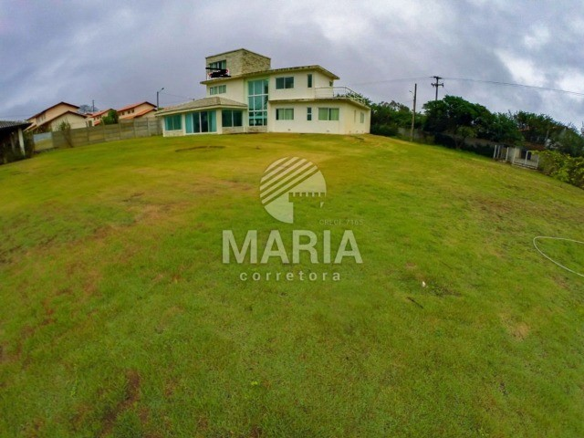 Casa solta á venda em Gravatá-PE,R$ 900.MIL.codigo:2038