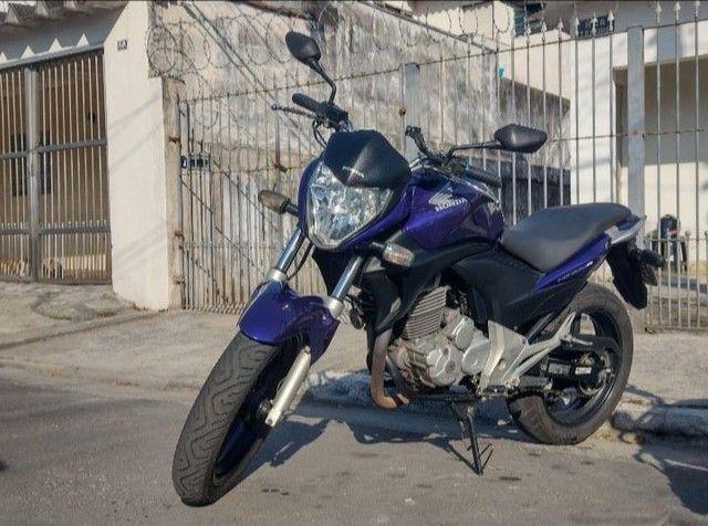 CB 300R 2011 - Foto 2