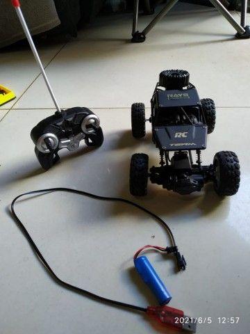 Carro controle remoto semi novo - Foto 3