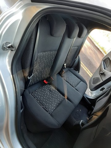 Ka SE 1.0 Hatch 2020 prata - Foto 13