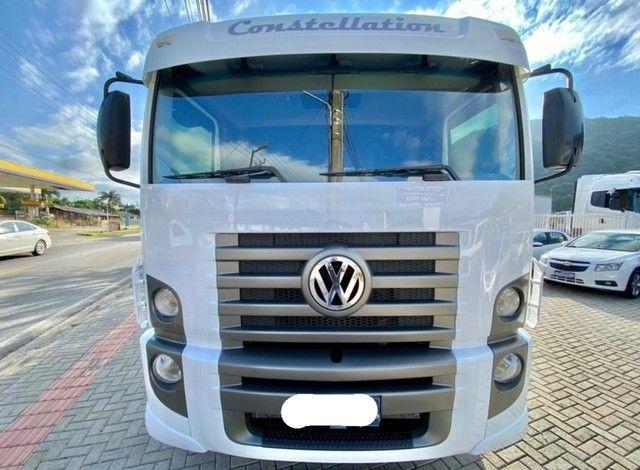 Caminhão vw 24250 constellation ano: 2011