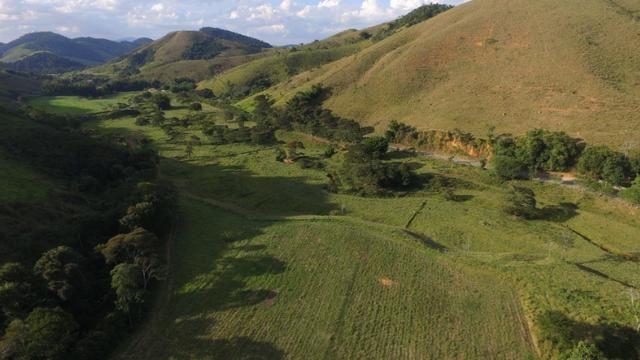 Pasto ao lado da RJ 153 Km 30,5 Volta Redonda - Foto 2