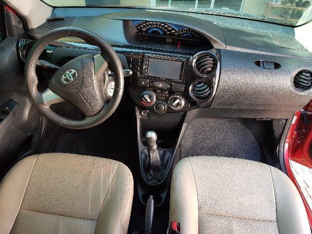 Toyota Etios 1.3 X hatch 2014 particular Novo - Foto 13