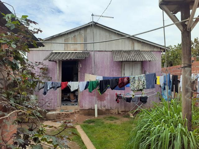 Vendo Terreno com 3 casas - Foto 3