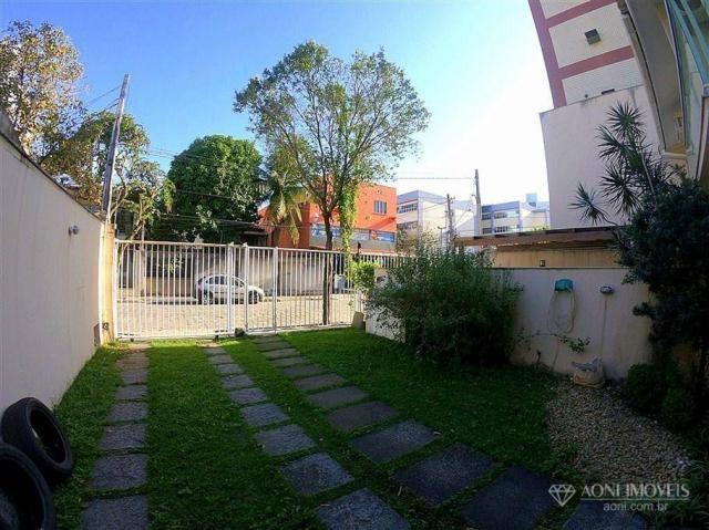 Casa duplex com 4 dormitórios, sol da manhã, lazer com churrasqueira e quintal, 3 vagas de - Foto 5