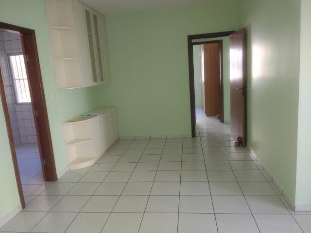 Apartamento 3/4 1 suíte com excelente localização-Residencial Quebec