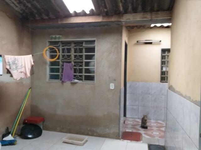 Ótima casa na quadra 202 com 03 quartos escriturado - Foto 4