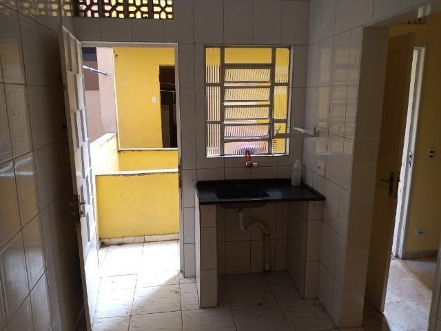 Aluguel de Quarto e Cozinha - Foto 4