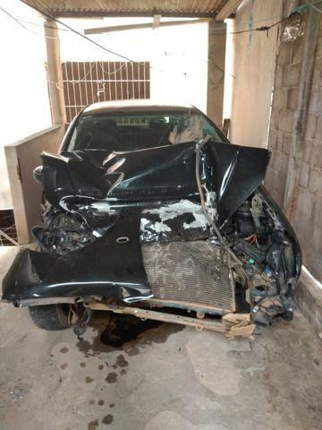 Peugeot 206 batido - retirada de peças - Foto 2