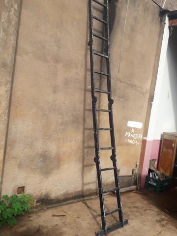 Vendo escada multifuncional de 4 metros - Foto 5