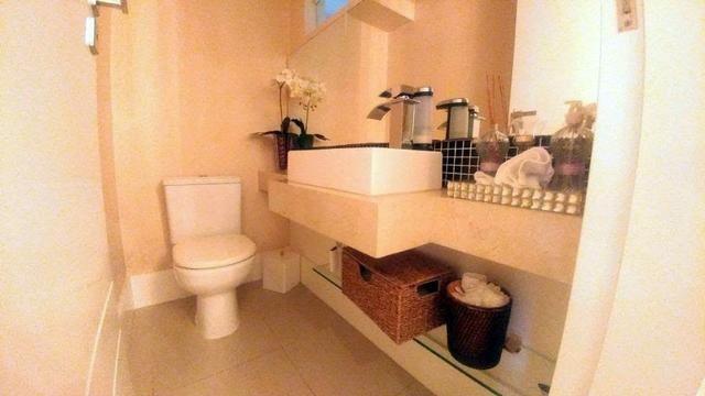 Casa de condominio com 4 suites e segurança 24 horas, bem localizada - Foto 18
