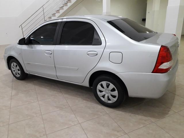 Toyota Etios Sedan 1.5 2015 - Aceita troca menor valor - - Foto 3