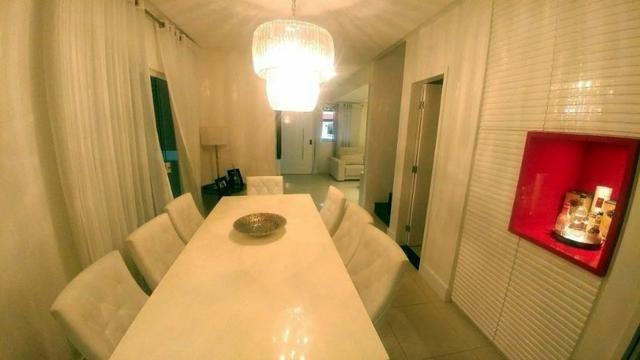 Casa de condominio com 4 suites e segurança 24 horas, bem localizada - Foto 9