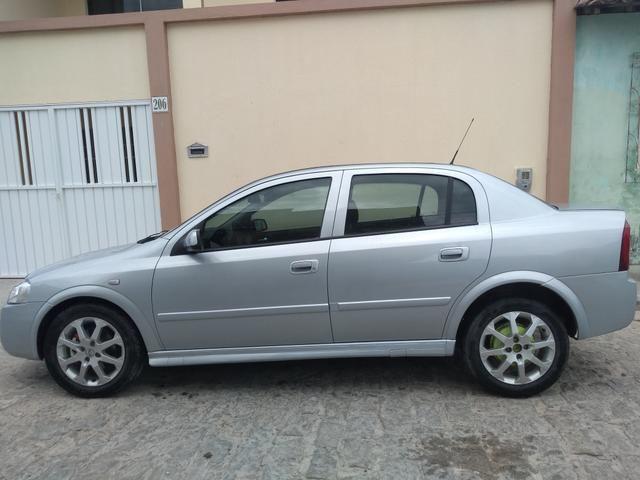 Astra Sedan Advantage 2.0 2011 - Foto 4