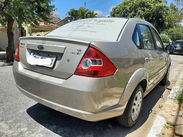 Ford Fiesta Sedan 1.6 Completo - Foto 4