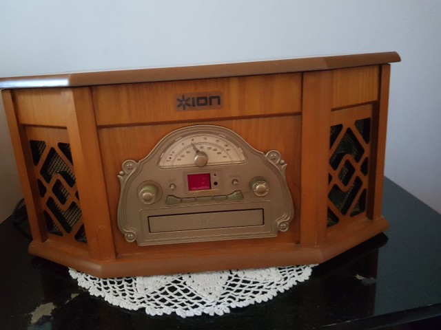 Vitrola retrô c/ cd, radio e toca fita - Foto 5
