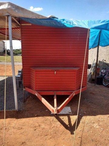 Vendo treiler vermelho dois anos de uso - Foto 2