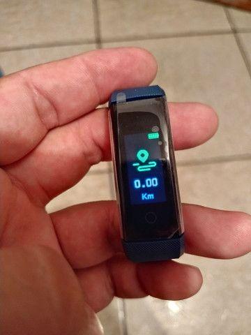 Smart Bracelet com monitor cardíaco e contador de passos. - Foto 3