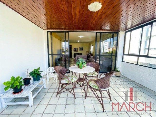 Vendo apartamento de 4 quartos, sendo 3 suítes, 264m2, no Jardim Oceania.