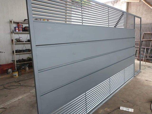 Portão de garagem feito por encomenda ZAP *