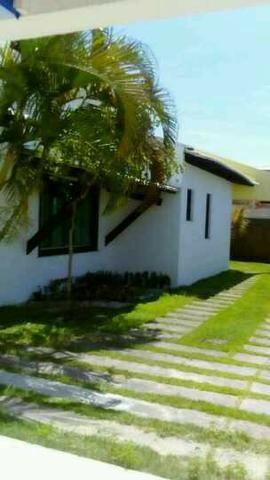 Alugo casa com piscina, excelente localização, 800 mts da praia Atalaia - Foto 2